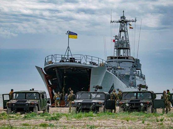 Военный эксперт оценил тренировочные атаки украинских ВВС на российские корабли