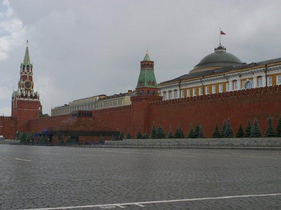 Кремль отказался считать украинскую власть нацистской