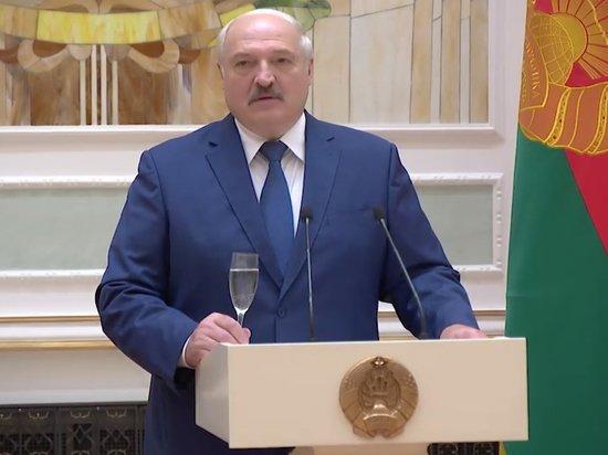 Лукашенко допустил начало войны из-за хаоса в Белоруссии