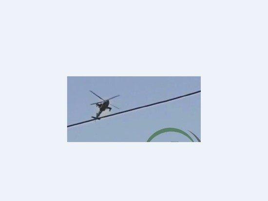 Американский Apache сопроводил военных на обстрелянный завод