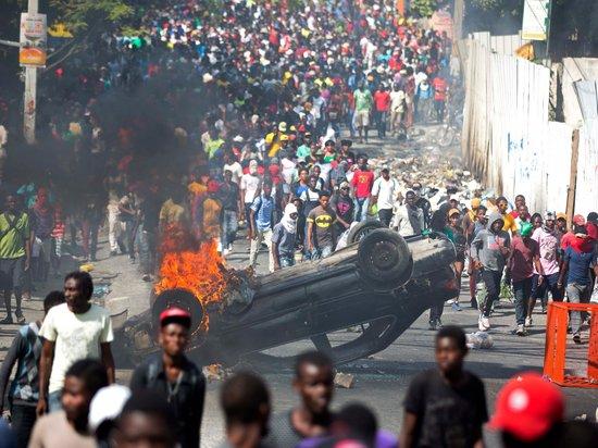 Власти Гаити попросили США ввести войска