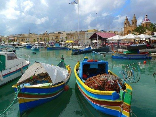 Решение Мальты не впускать невакцинированных туристов сочли заразным