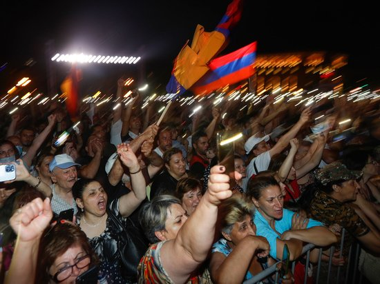 Кинорежиссер Борис Айрапетян представил свое видение ситуации в Армении