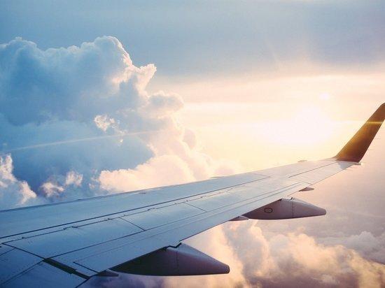 Открывший аварийный выход в самолете мужчина раскрыл причины своего поступка