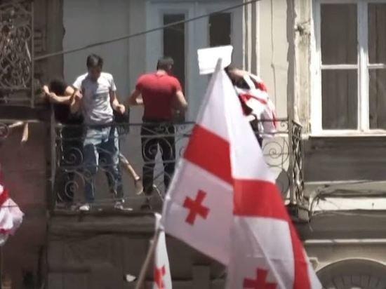 В Тбилиси журналисты и оппозиционеры начали новую акцию протеста