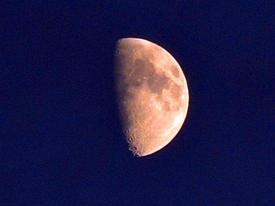 Россиян предупредили об опасности Черной Луны с 18 июля