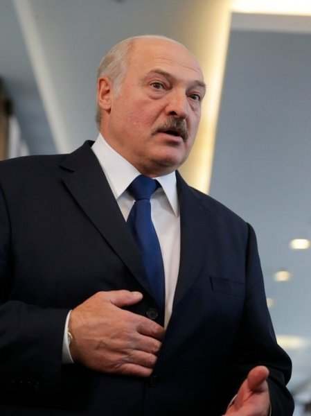 Лукашенко: Запад начал индивидуальный террор белорусов