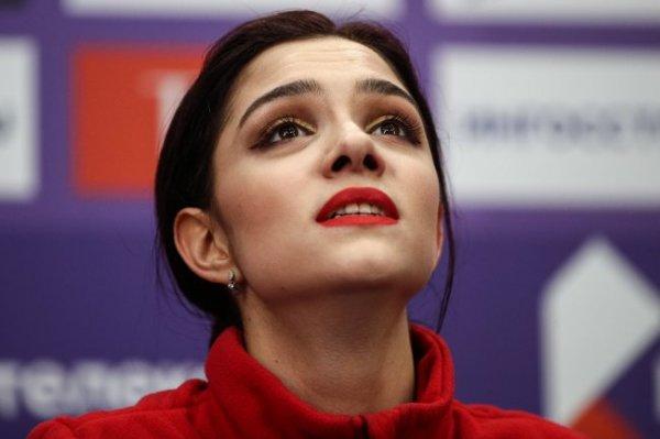 Посол олимпийской сборной РФ Медведева поддержит команду дистанционно