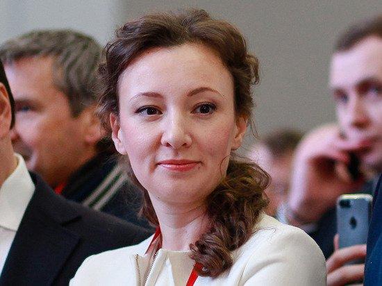 Кузнецова заявила, что обсуждать вакцинацию подростков от коронавируса пока рано