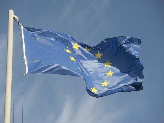 Еврокомиссия пригрозила Польше и Венгрии судом из-за притеснения ЛГБТ