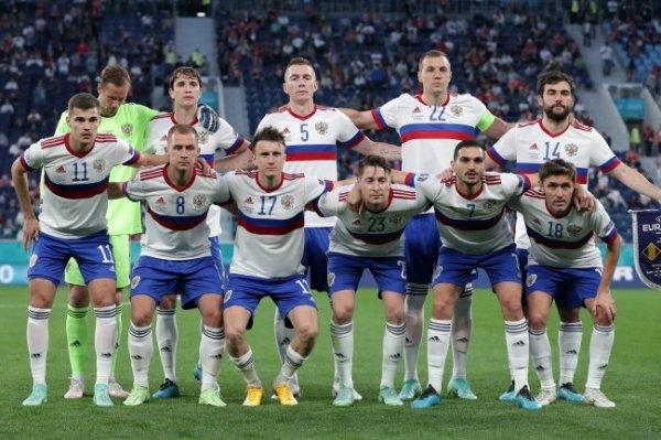 СМИ: Сборным России по футболу выработают единый стиль игры