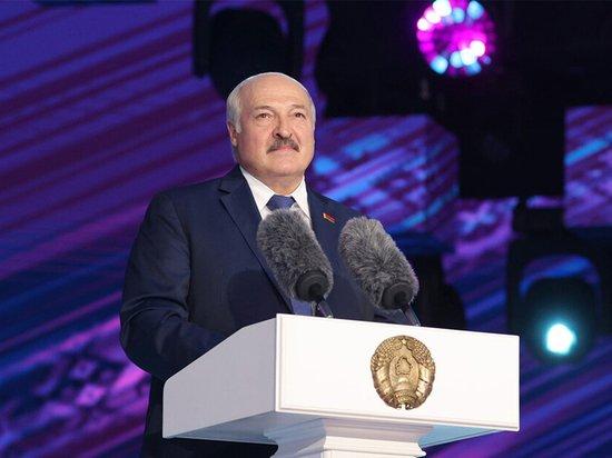 Коронавирус в Белоруссии удвоился после песен с Лукашенко