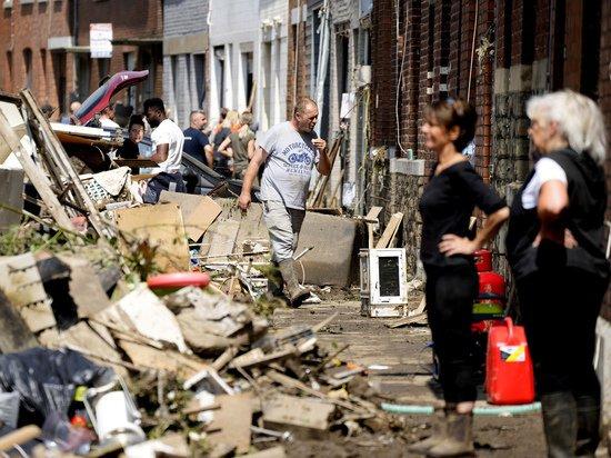 Из пострадавших от наводнения в Европе районов начали гнать «катастрофических туристов»