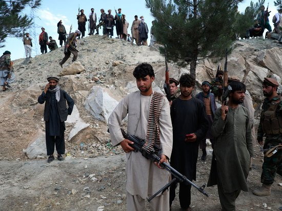 Талибы «притормозили» захват Кабула