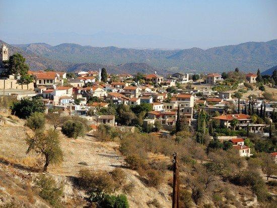 На Кипре до 31 июля ввели ковидные паспорта