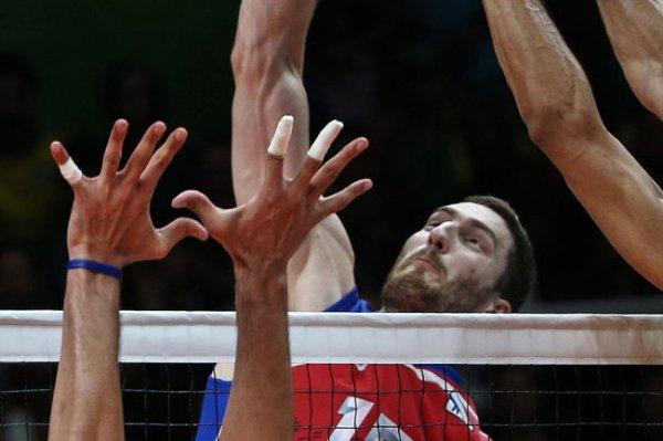Волейболист Михайлов: Нести флаг на церемонии открытия ОИ - большая честь