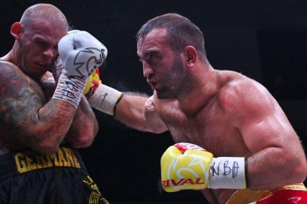 Гассиев нокаутировал Валлиша в поединке за титул WBA