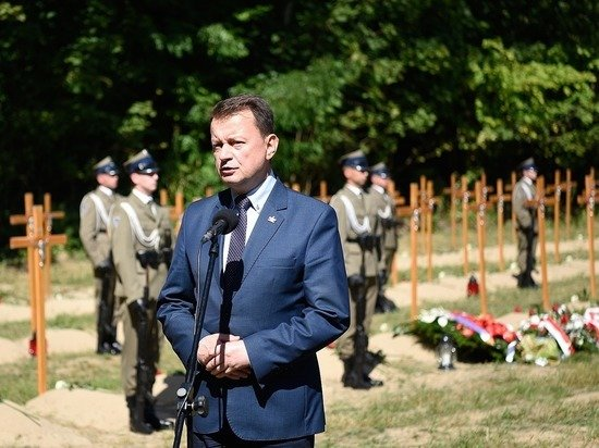 Польский министр пообещал разместить танки у «Смоленских ворот»