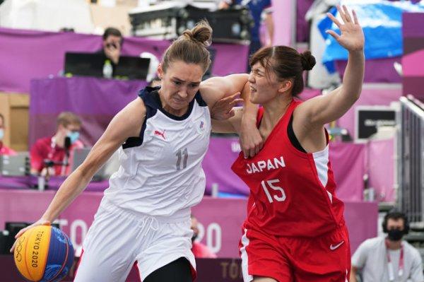 Россиянки выиграли в первом матче по баскетболу 3х3 на Олимпийских играх