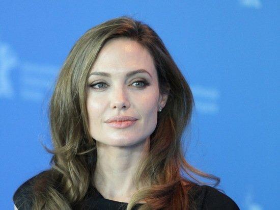 Анджелина Джоли возобновила процесс по делу об опеке над детьми