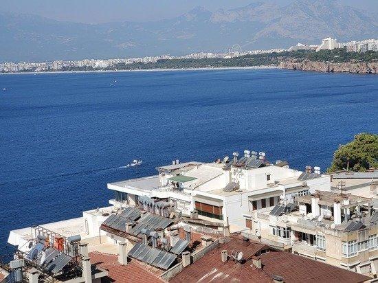 В Турции призвали к строгим мерам к российским туристам из-за COVID-19