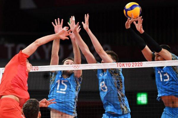 Российские волейболисты обыграли аргентинцев в первом матче на Олимпиаде