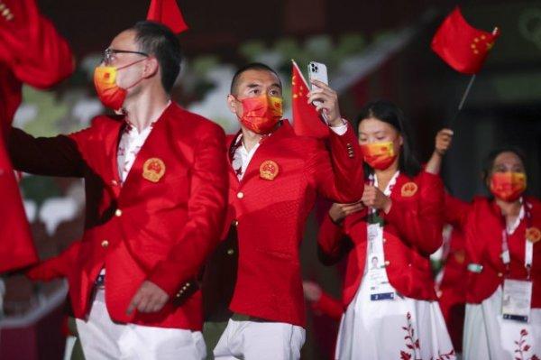 Сборная Китая сохранила лидерство после второго дня Олимпиады