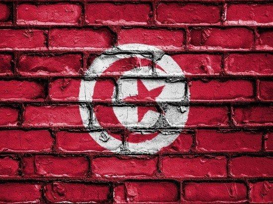 Посольство попросило россиян не прилетать в Тунис