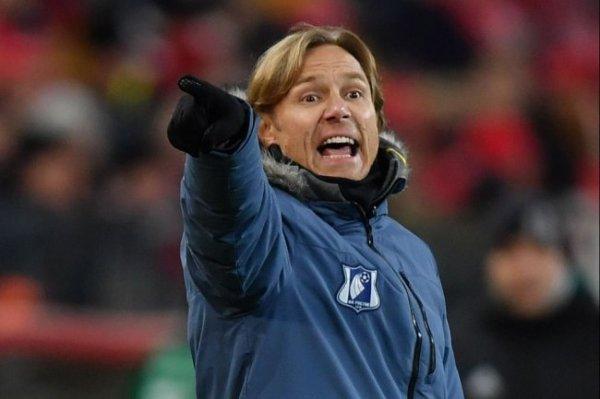 Карпин подписал контракт и официально стал главным тренером сборной России