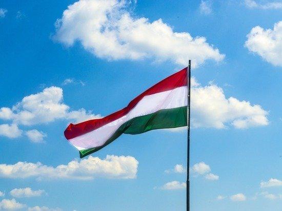 Венгрия с 27 июля разрешила вакцинированным россиянам въезд без карантина и ПЦР