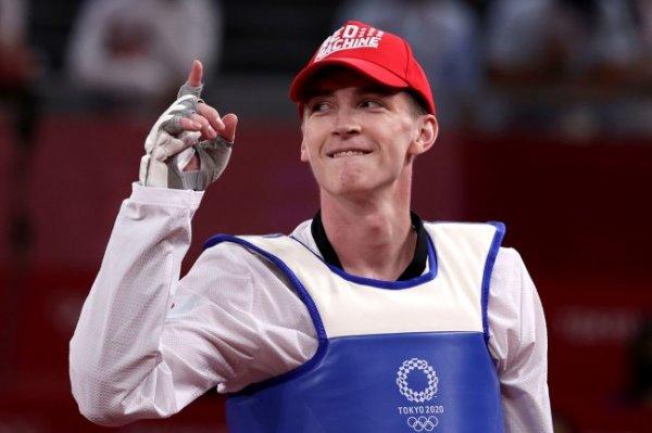 У олимпийского чемпиона по тхэквондо Храмцова подозрение на перелом руки