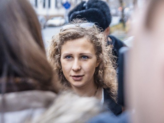 Суд оставил участницу Pussy Riot Марию Алехину под домашним арестом