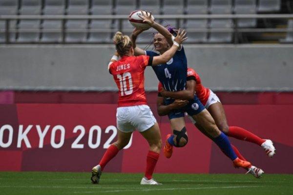 Женская сборная по регби-7 одержала первую победу