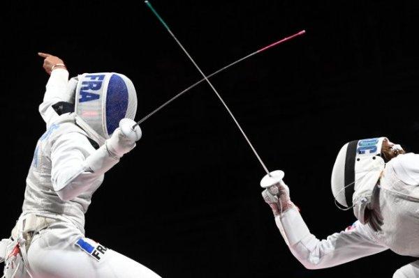 Путин поздравил российских рапиристок с золотой медалью Олимпиады