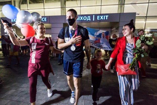 В Калининграде встретили олимпийского призера Станислава Шарова