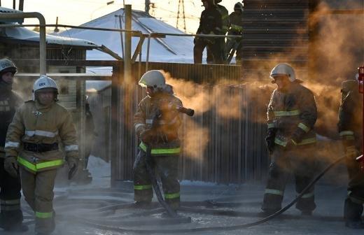 Губернатор Забайкалья поручил найти средства для повышения зарплаты пожарных