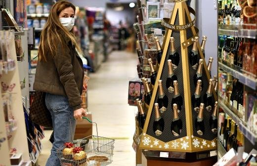 Moet Hennessy приостановила поставки шампанского в Россию