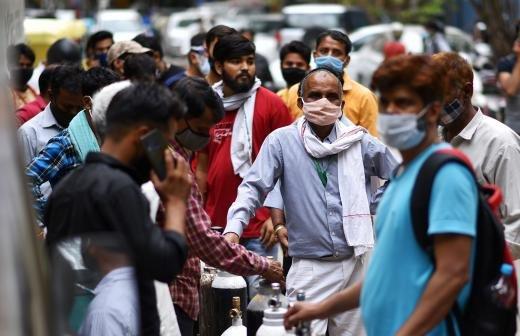 Врач рассказала о симптомах индийского штамма коронавируса