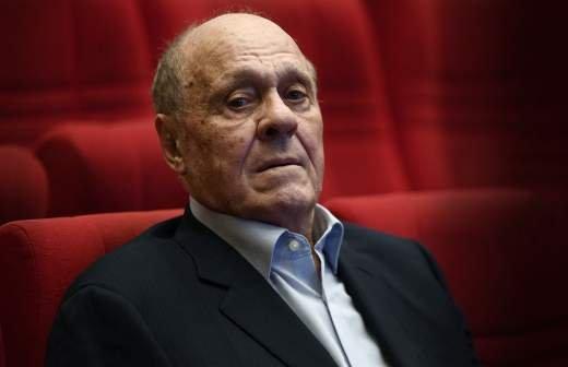Безруков выразил сожаление в связи с уходом «великих стариков»