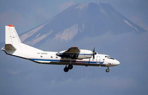 Водолазы приступили к обследованию дна на месте крушения Ан-26