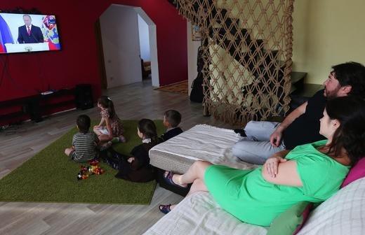 Путин выступил за совместное обучение мальчиков и девочек