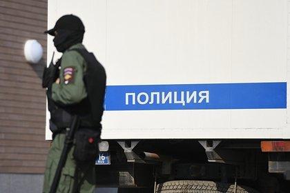 Россияне несколько часов купались в водохранилище рядом с трупом