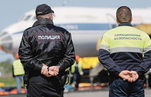 Открывший дверь самолета рейса Москва–Анталья мужчина объяснил свой поступок