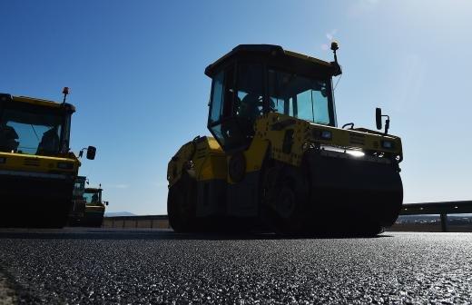 В Екатеринбурге образовалась огромная пробка из-за ремонта моста