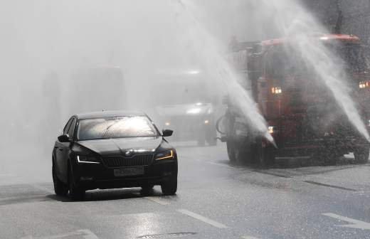 В МЧС предупредили о сильной жаре в Москве 12 июля
