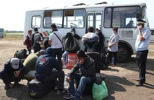 Более 100 мигрантов выдворят из РФ после массовой драки в Москве