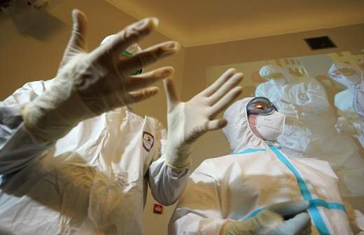 Врач назвал причину боли в руке после прививки от коронавируса