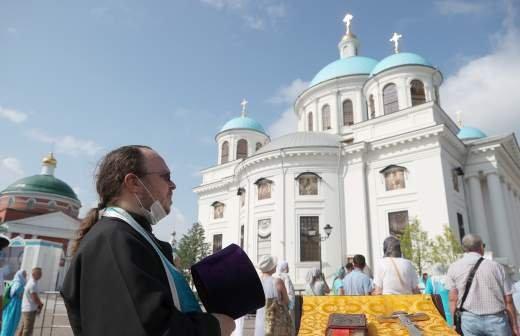 Патриарх Кирилл освятил собор Казанской иконы Божией Матери