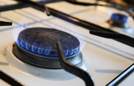 Заявки на бесплатное подключение дома к газу подали почти 100 тыс. россиян