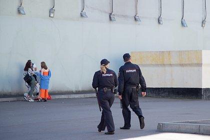 Соседи убитой полицейским российской школьницы рассказали о ее личности